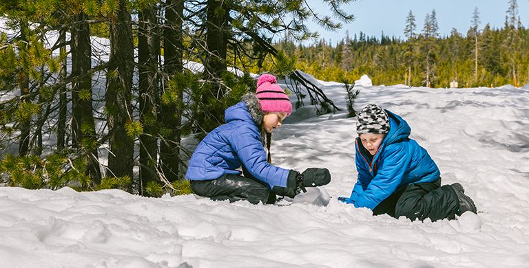 We've made a list below of some of the simplest and most enjoyable winter activities to do outside with the kiddos—for you and for them.