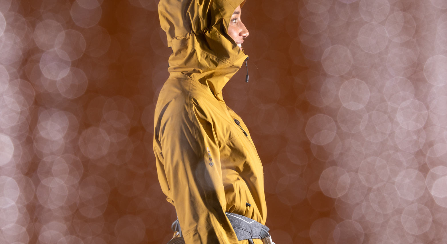 A side profile of the Women's Exposure/2™ 