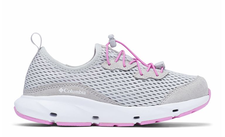 A gray, pink, and white kids Pivot sneaker.