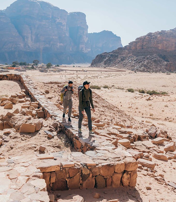 MHW Athlete Miranda Oakley explores the middle east with her climbing partner