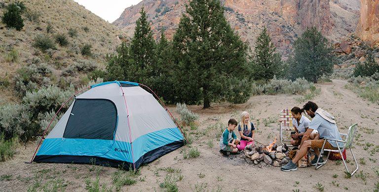 露营是为了欣赏荒野——所以在这个过程中不要破坏它。阅读我们的指南,了解如何减少你的户外足迹。
