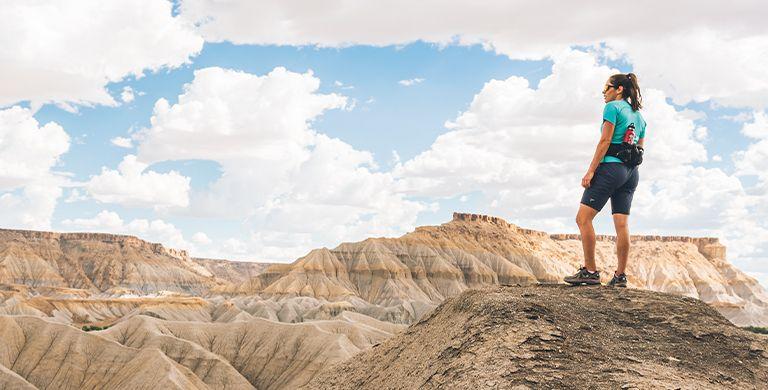 三名冒险妇女讲述他们在远程荒野空间中的独奏徒步旅行的故事:他们走的原因,他们有时会得到的反对意见 - 为什么他们不管怎样