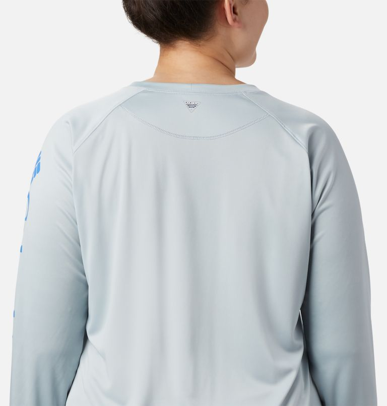 Tidal Tee™ II Long Sleeve | 032 | 3X Women's PFG Tidal Tee™ II Long Sleeve - Plus Size, Cirrus Grey, Stormy Blue Logo, a2