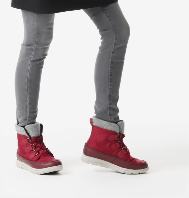 SOREL™ EXPLORER CARNIVAL | 660 | 6 Bota Sorel™ Explorer Carnival para mujer, Red Dahlia, video
