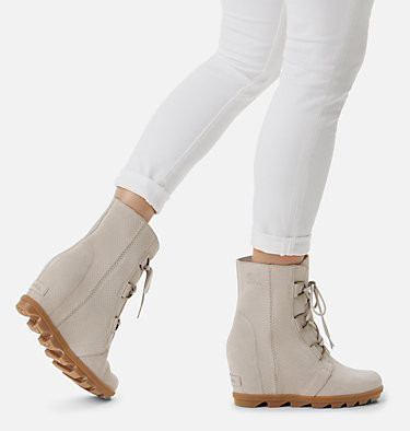 Women's Joan of Arctic™ Wedge II Boot JOAN OF ARCTIC™ WEDGE II | 096 | 12, Soft Taupe, video
