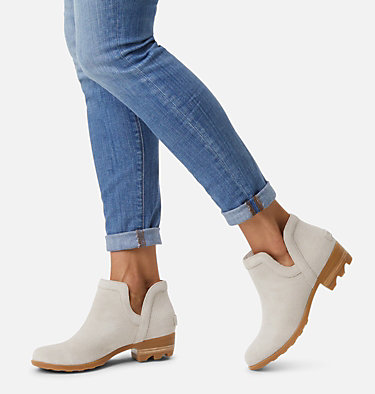 Women's Lolla™ Cut-Out Bootie LOLLA™ CUT OUT BOOTIE | 224 | 7.5, Soft Taupe, video