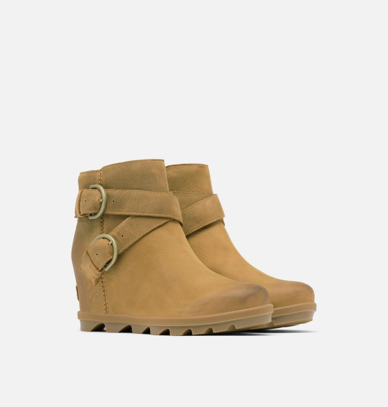 JOAN OF ARCTIC™ WEDGE II BUCKLE | 286 | 7 Women's Joan Of Arctic™ Wedge II Buckle Bootie, Elk, 3/4 front