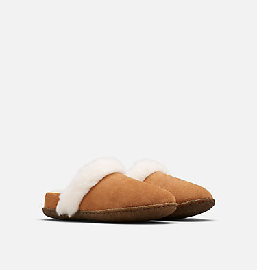 Youth Nakiska™ Slide II Slipper YOUTH NAKISKA™ SLIDE II | 224 | 1, Camel Brown, Natural, 3/4 front