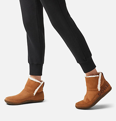 Women's Nakiska™ Slipper Bootie NAKISKA™ BOOTIE | 224 | 5, Camel Brown, video