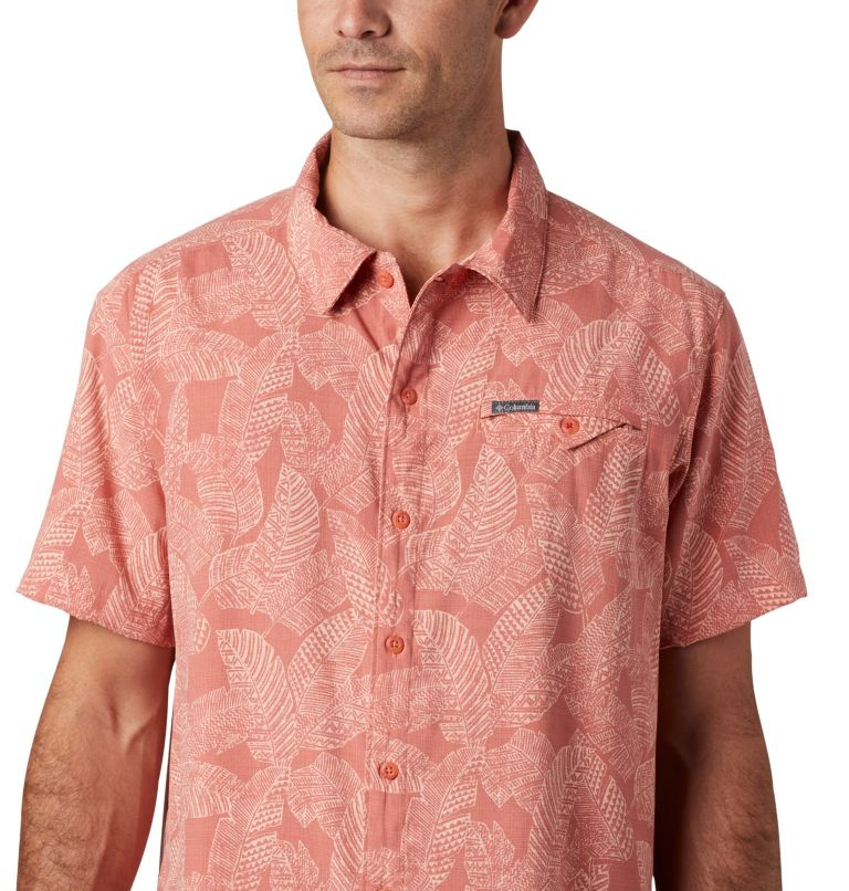 Lakeside Trail™ SS Shirt | 639 | M Men's Lakeside Trail™ Short Sleeve Shirt, Dark Coral Rad Palms Print, a2