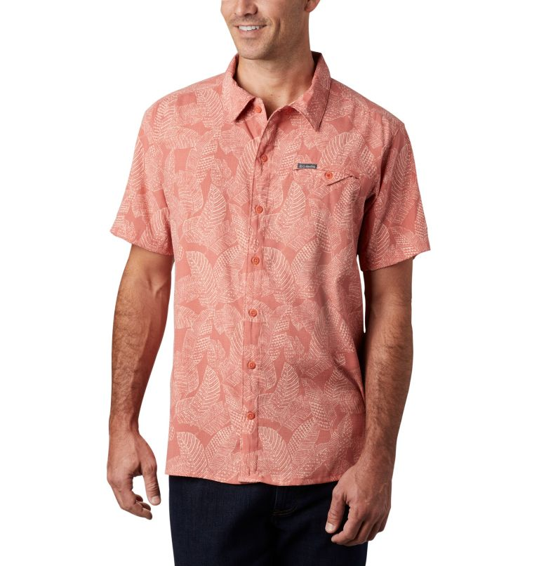Lakeside Trail™ SS Shirt | 639 | M Men's Lakeside Trail™ Short Sleeve Shirt, Dark Coral Rad Palms Print, front