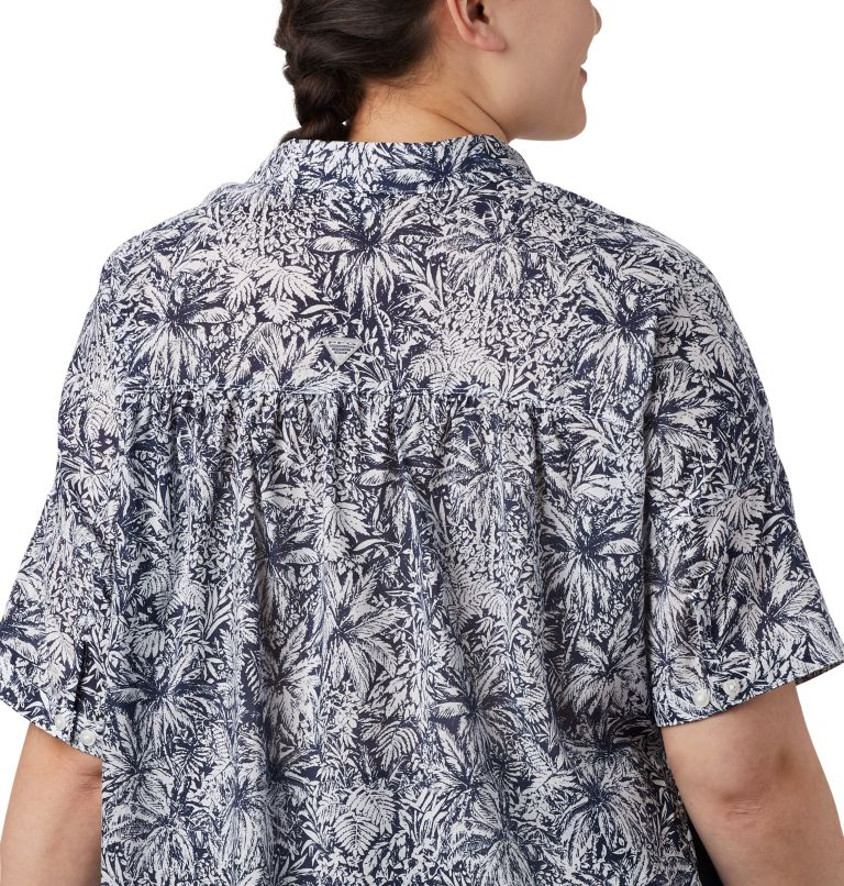 Sun Drifter™ 3/4 Sleeve Tunic | 468 | 2X Women's PFG Sun Drifter™ 3/4 Sleeve Tunic – Plus Size, Collegiate Navy Wilderness Print, a3