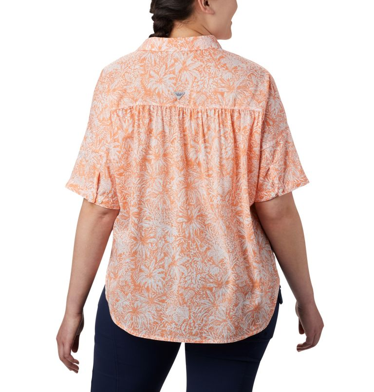 Sun Drifter™ 3/4 Sleeve Tunic | 808 | 1X Women's PFG Sun Drifter™ 3/4 Sleeve Tunic – Plus Size, Tiki Pink Wilderness Print, back