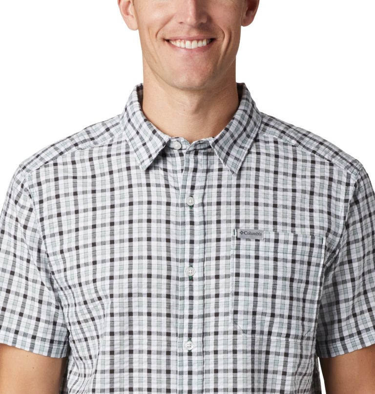 Men's Brentyn Trail™ Short Sleeve Seersucker Shirt Men's Brentyn Trail™ Short Sleeve Seersucker Shirt, a2