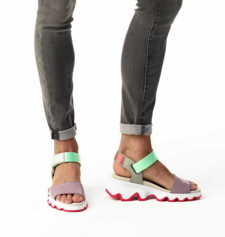 KINETIC™ SANDAL | 081 | 6 Women's Kinetic™ Sandal, Dove2, video