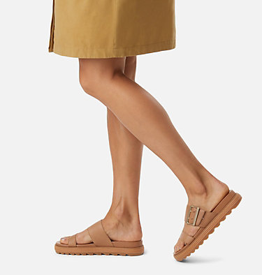 Women's Roaming™ Buckle Slide ROAMING™ BUCKLE SLIDE | 125 | 7.5, Camel Brown, video