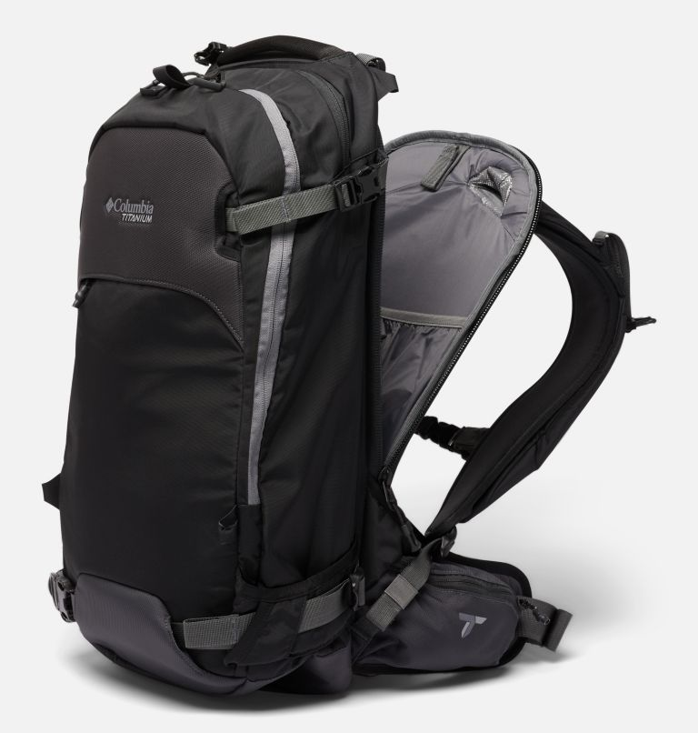 Peak Pursuit™ 32L Backpack | 010 | O/S Peak Pursuit™ 32L Backpack, Black, a1