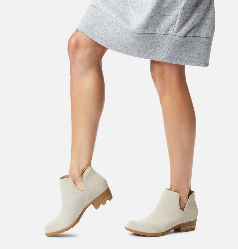 LOLLA™ II CUT OUT | 096 | 9 Womens Lolla™ II Cut Out Bootie, Soft Taupe, Gum, a9