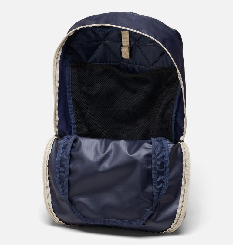 Tandem Trail™ 16L Backpack | 464 | O/S Unisex Tandem Trail™ 16L Backpack, Collegiate Navy, Stone Green, a1