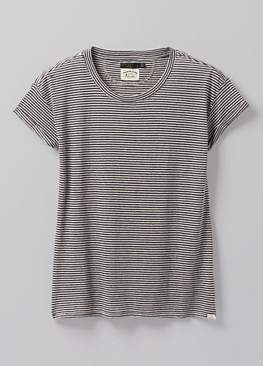 Cozy Up T-shirt Plus Cozy Up T-shirt Plus, Pebble Grey Heather Stripe
